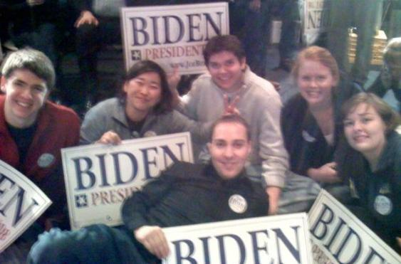 biden-volunteers-at-party.jpg